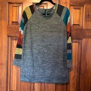 Bellamie Striped Sleeve Sweater L